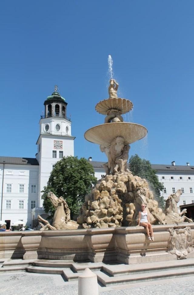 Mooie fontein in het centrum van Salzburg