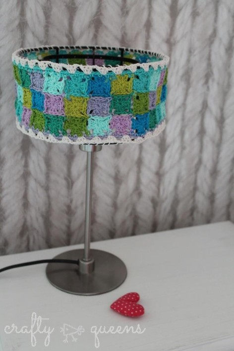 Crafty Queens crochet lampshade