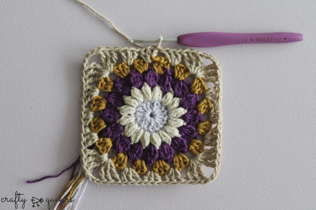 Crafty Queens sunburst square round 5